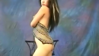 Pretty Asian slut Miki Chan does some erotic, naked dancing
