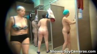 Amateur voyeur spy cam video from the public shower rooms