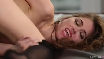 sapphic medley with flawless girl jenna sativa and riley reid
