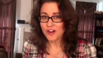 Curvy Wife Gianna Jones Spreads Bush