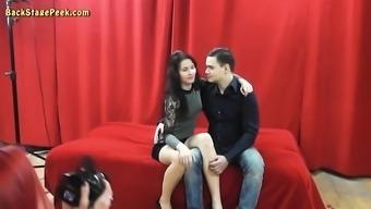 Skinny whore opens her legs for a stranger