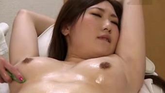 Massage on beauty bed 4