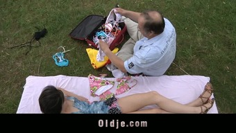 Sweet teeny fuck with fatty old man in the park