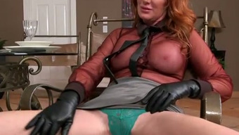 Red haired luscious mommy with big fat ass let her lover exploit her muff with fingers
