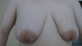 Mature mom showing big saggy boobs in homemade video