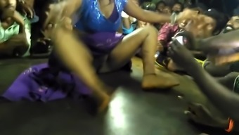Record dance showing her boobs and pussy