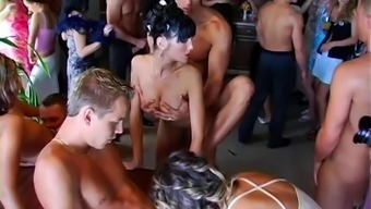 Lots of cock sucking and pussy drilling action in this blazing orgy