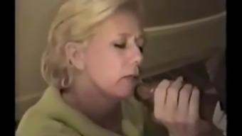Fucking Hot Mom !