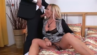 Chubby Blonde Mother Loves To Experience Anal Sex with a Pump in Her Pussy