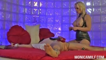 monicamilf in its version of 50 shades of pegging and sm