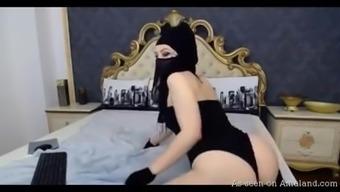 Naughty Arab camchick twerking on her bed