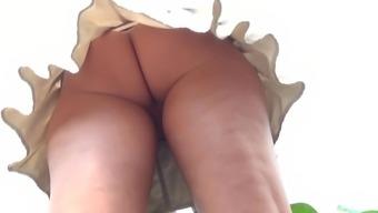 Upskirt no panty