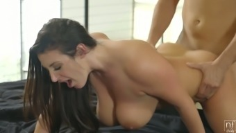 Hypnotizing natural boobs of Angela White bounce like crazy