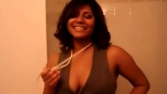 GORGEOUS LATINA DANCE AND STRIPS