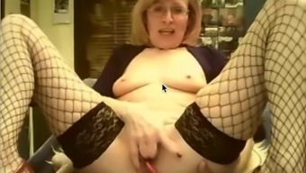 She rubs her clit good and spanks her ass well!