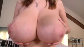 Lucie Wilde - Extra Special Treat