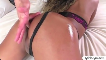 glamorous tgirl yanka meirelles gets hot load on her face