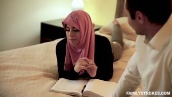 Arab wife in hijab Ella Knox serves her husband like nobody else before