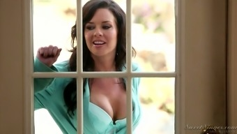 Stunning paramour Veronica Avluv is eager for meaty hose of her new lover