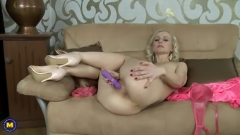 Playing with her favorite dildo always made mature Venice orgasm