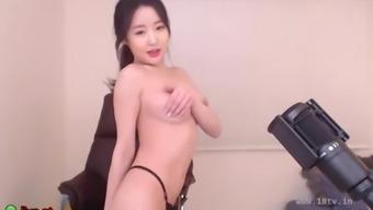 Beautiful korean camgirl creams her hot body