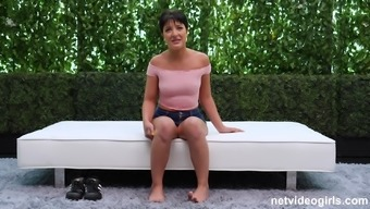 Kiarra displays her dick sucking skills while on her knees in POV