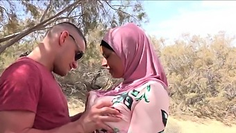 Big Titties Arab Girl in Hijab Fucked outside