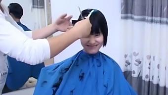 中国卖淫女妓女剪头发2