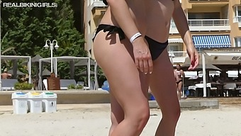 Three topless girls in bikini shows big boobies and yummy big asses