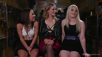 Lesbian threesome with Amara Romani gives the best orgasm ever