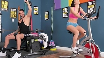 naughty america alana cruise bangs stranger in the gym