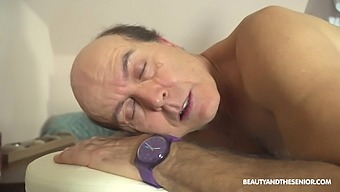 During the massage Adelle Sabelle gets her pussy pleased by her client