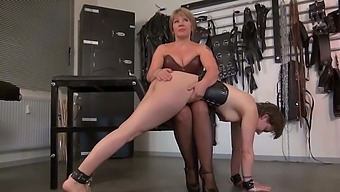 Lezdom Mistress - Caning, Spanking and Humiliation