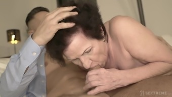Short haired mature granny Lisbeth gets her saggy ass pounded hard