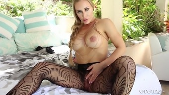 Blonde MILF beauty Nicole Aniston rides cock in ripped pantyhose