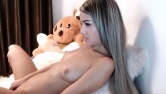 Hot teen masturbates on cam while nobody at home