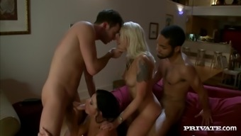 India Summer and Lorelei Lee enjoy hot foursome sex and get facialed