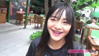 Thai girl receives creampie from Japan guy