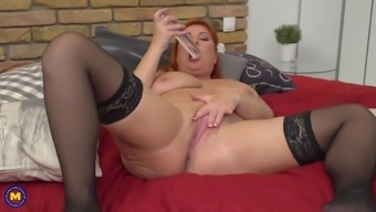 Amateur busty mom with big hungry vagina