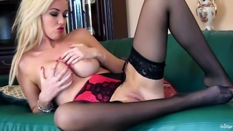Scrumptious Anna Victoria Masturbates In A Solo Model Video