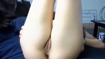 pretty face and pretty pussy webcam babe