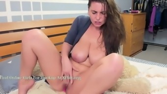 Busty ukrainian cam slut squirts
