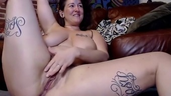 Squirting orgasms for the tattooist part 2
