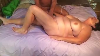 Matures with vibator, masturabation and coming