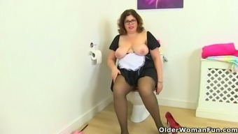British bbw milf jayne storm gets naughty in bathroom