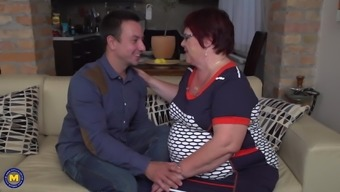 Fat grandma get cuni and fuck with boy