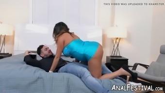 Massive booty milf julianna vega twerking on big fat cock