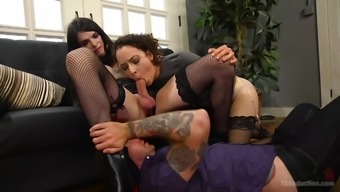 Chelsea Marie has amazing fucking skills and likes group bisexual fuck