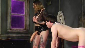 Maitresse Madeline Marlowe wants to punish his boy with a strapon