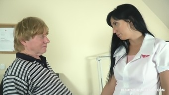 Sexy doctor Sher Vine adores sex and a blowjob with her patient